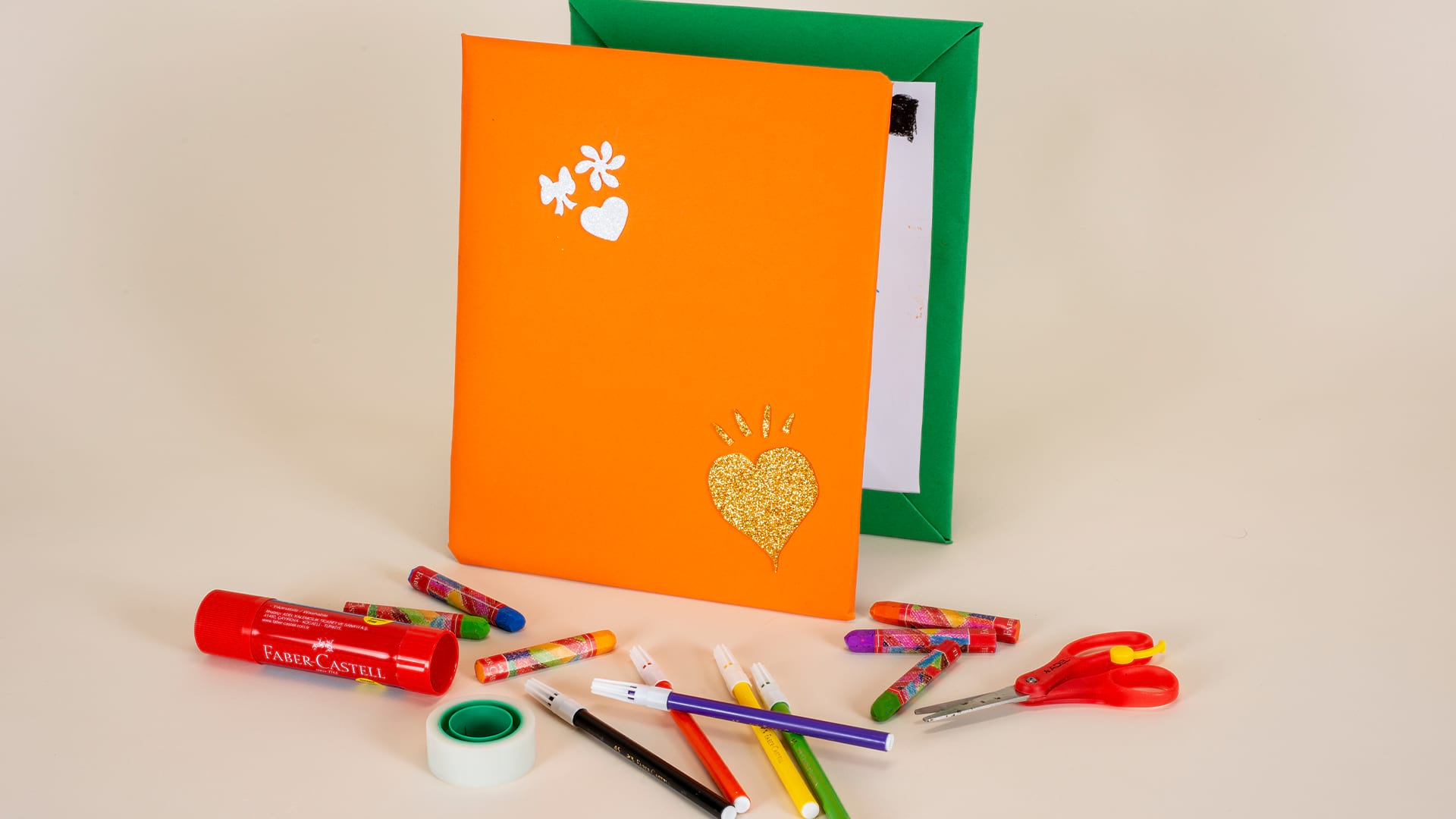 Designing Accordion-Folded Notebooks Special for Mother's Day